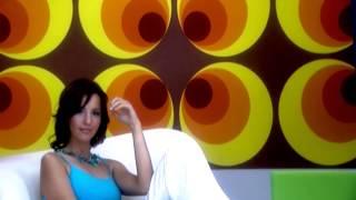 Aylin Alaz - Kızın Yine Aşık Anne (Official Video)