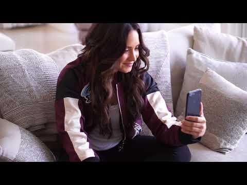 Demi Lovato Meets Luis Fonsi Via Facetime