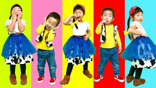 Five little Babies Jumping on the bed, Baby nursery rhymes songs for children なりきり ウッディー&ジェシーKohaTai