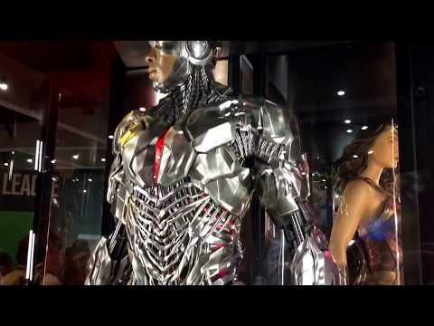 SDCC Justice League Movie Costumes DC Booth San Diego Comic-Con 2017 Wonder Woman