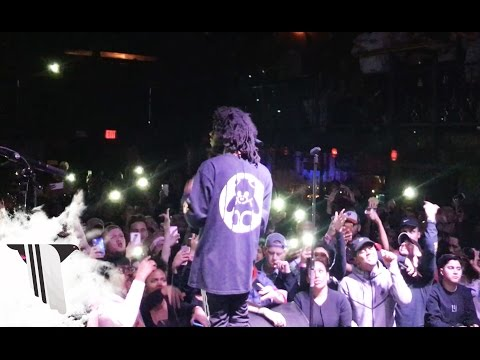 "6LACK Performs ""PRBLMS"" Live in New York City at No Ceilings 