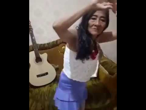 Video Nenek Bergoyang