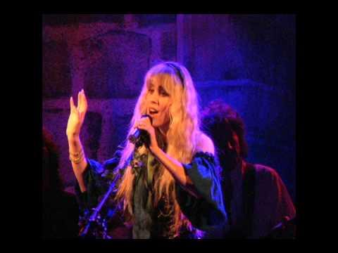 Songtext von Blackmore's Night - Under a Violet Moon Lyrics