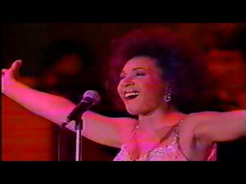 Shirley Bassey Live in Yokohama -1990- (short version)
