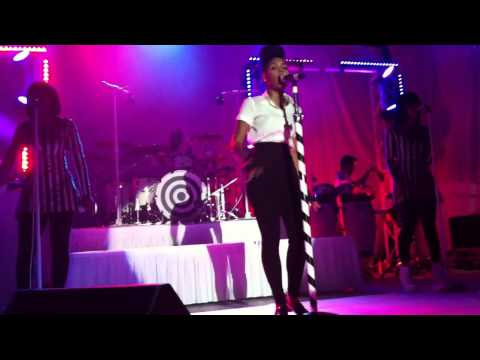 Janelle Monáe - Primetime (live)