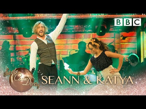 Seann Walsh & Katya Jones Quickstep to 'Lightning Bolt' by Jake Bugg - BBC Strictly 2018