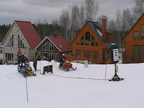 Drag Motoneige Mont-Vidéo Barraute 21-mars-2009