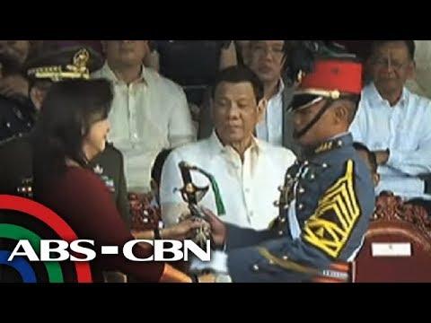 Duterte, muling bumanat sa ICC; tinawag na 'kaibigan' si Robredo