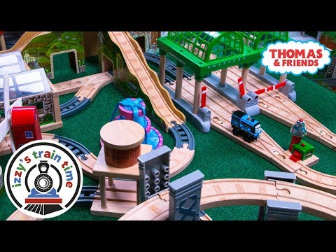 Thomas and Friends WACKMASTER AND WOODEN TRACK   Fun Toy Trains for Kids   Thomas Train Power Rails