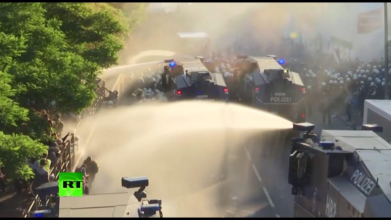 Полиция жёстко разгоняет протестующих в Гамбурге