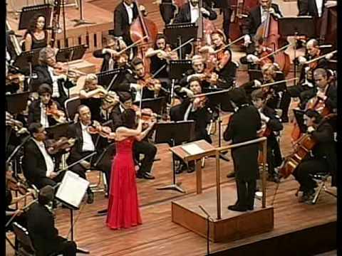 Kyung Wha Chung plays Brahms violin concerto (Mov1 - 1)