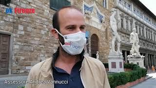 Firenze e le mascherine in omaggio