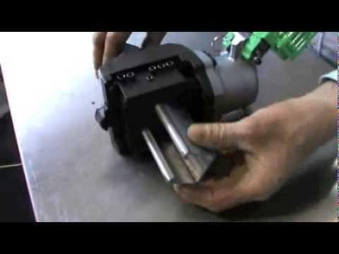 Stainelec M-40L Burndy & Flexi-Strut Cutting Demonstration