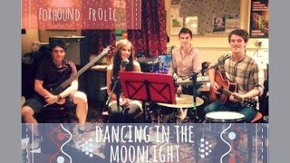 Dancing In The Moonlight - Toploader (Chilled Acoustic Gig Cover) | Foxhound Frolic ♥