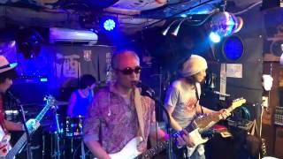 このビデオは 170805田中屋 indigo Blue オリンピアス.