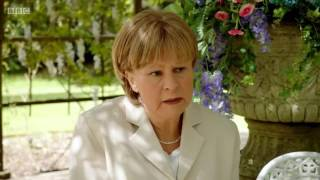 Tracey Ullman as Angela Merkel - Brexit Song
