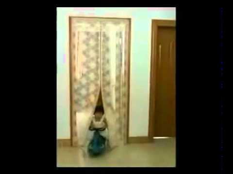 Магнитная сетка штора Magic Mesh на дверь от комаров и мух - YouTube