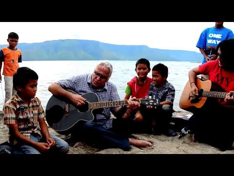 Herman Delago& Vicky Sianipar @ SAFe 2011.mp4