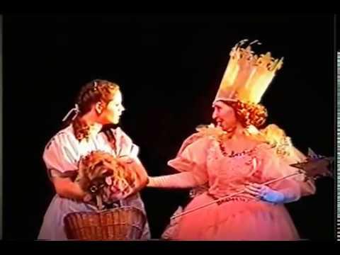 WIZARD OF OZ Melanie as Dorothy PART 5 Gregory Terlecki as Scarecrow  Hudson Music Club