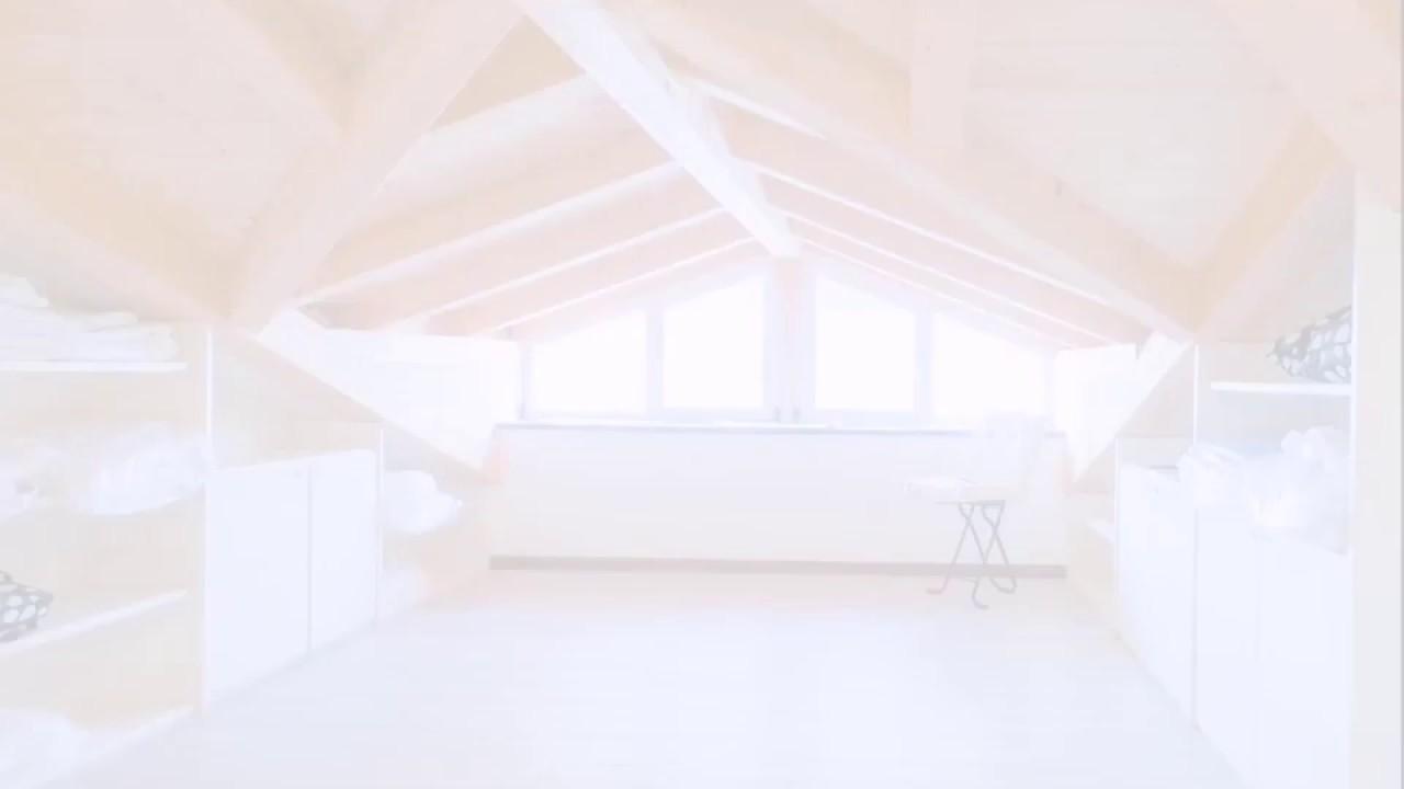 Soffitto Travi A Vista appartamento di 90 mq con mansarda dal soffitto in legno con travi a vista