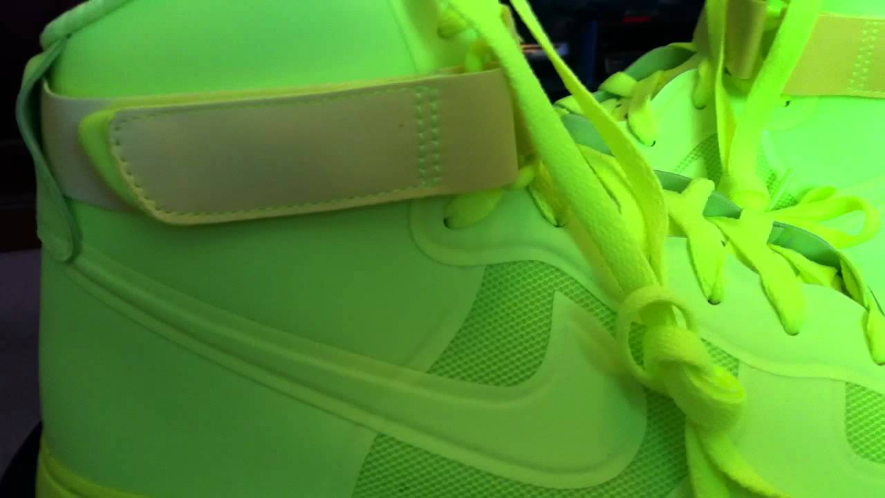 buy popular 0048f 72a28 NIKE Air Force 1 Hi Hyperfuse Premium - Volt colorway - YouTube