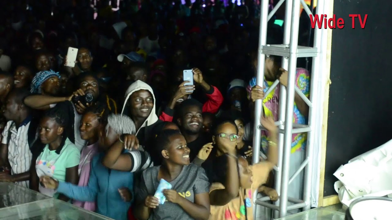 Download Mauno ya mwanafunzi wa Chuo cha Mipango yalivowapiganisha wanafunzi wa UDOM kwenye show ja NANDY