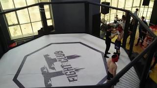 Ceyhun Nəzərov MMA Final döyüşündə qələbə qazanır