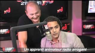 Un apprenti animateur radio arrogant - C