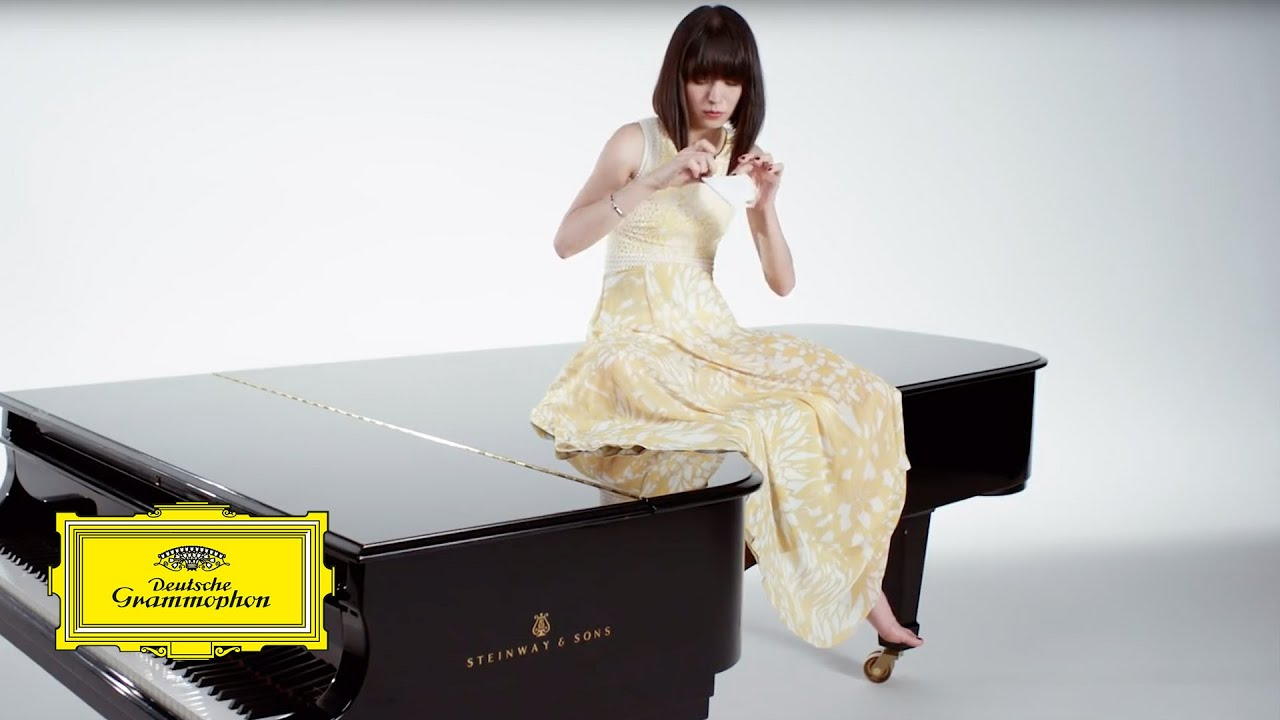 video: Alice Sara Ott - Grieg