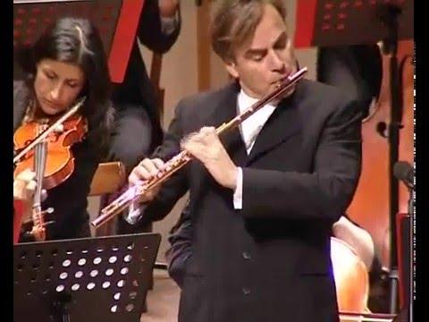 Andrea Griminelli suona  Bach dalla Suite in Si min  per Flauto ed Archi Minuetto e Badinerie