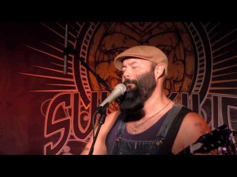 "Reverend Peyton ""Pot Roast & Kisses"" (Live In Sun King Studio 92 Powered By Klipsch Audio)"