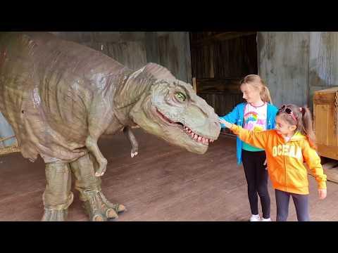 Giant T-Rex Dinosaurs Adventure For Kids