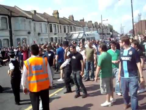 West Ham X Napoli FIGHT from YouTube · Duration:  51 seconds