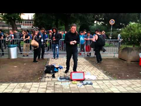 Street performer creates music using 2 Game Boys