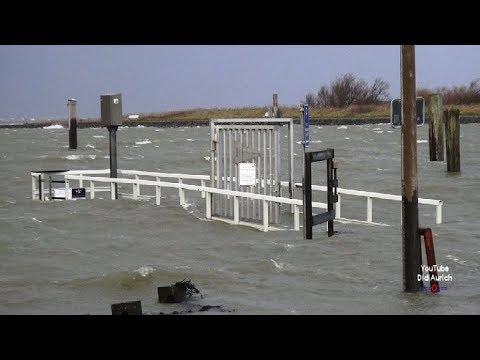 Hochwasser Sturmflut Norddeich und Bensersiel vom 08.01.2019 Land unter Sturmflut Benjamin Sturmtief