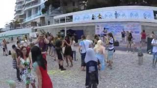 Чумавая дискотека на Приморском пляже. Ялта. / Disco on the beach. Yalta. / 4K video / 12 июня 2016(, 2016-07-17T08:25:50.000Z)