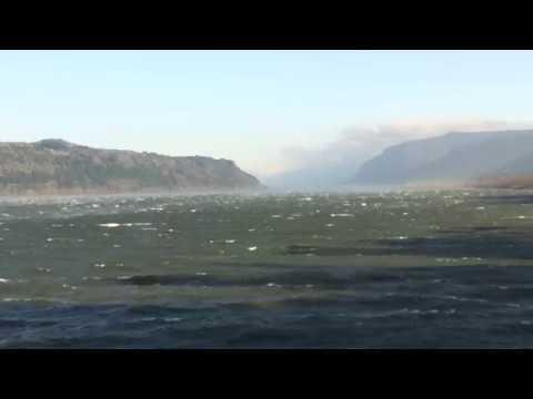 East Wind, Columbia Gorge. Восточный ветер на р. Колумбия (2413sp)