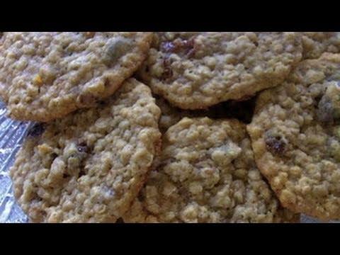 Gooey oatmeal raisin cookies recipe
