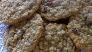 Chewy Oatmeal Raisin Cookies Recipe- How To Make Bakery Style Oatmeal Raisin Cookies
