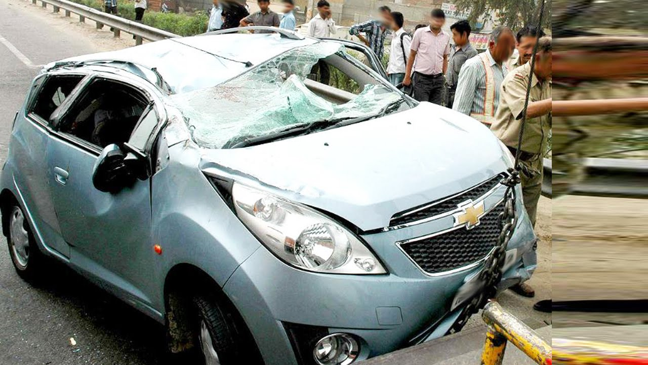 Latest Car Accident Of Chevrolet Beat In India Road Crash
