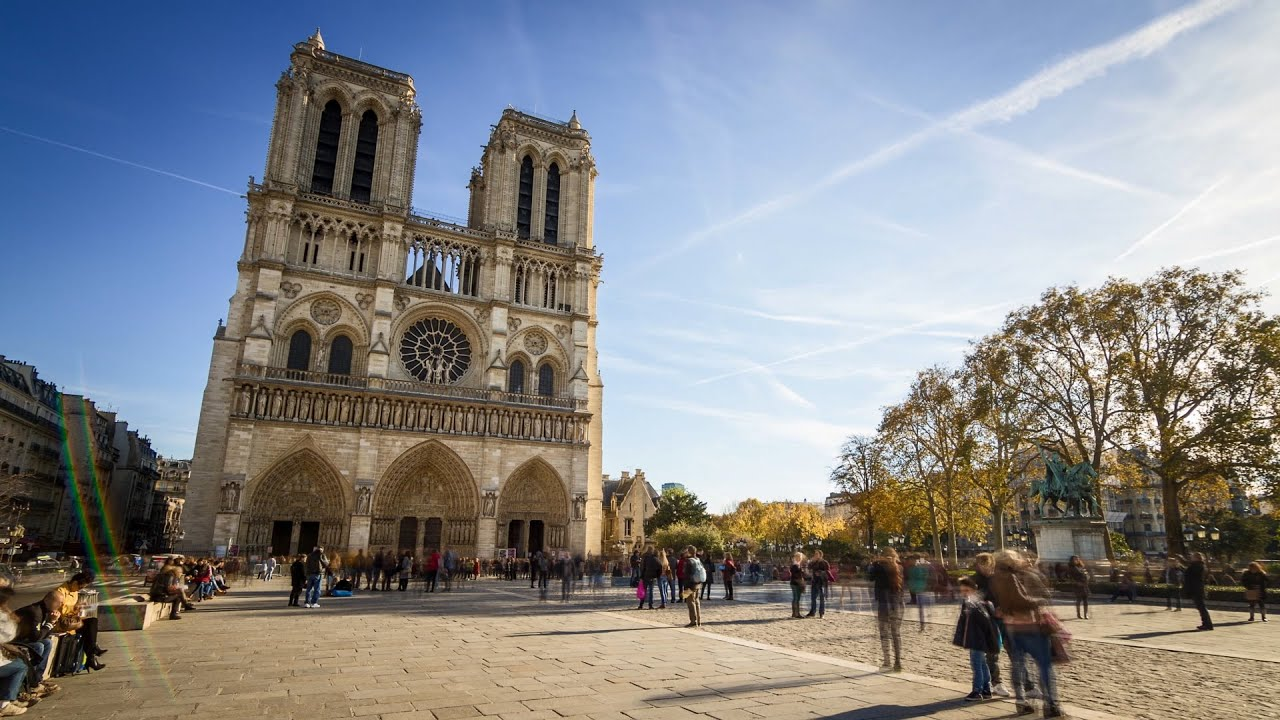 notre dame cathedral parvis side view paris timelapse 4k