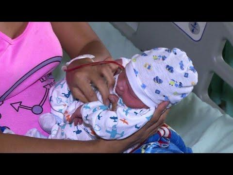 الفنزويليات يلجأن لمستشفيات كولومبيا للإنجاب بسبب استفحال الأزمة