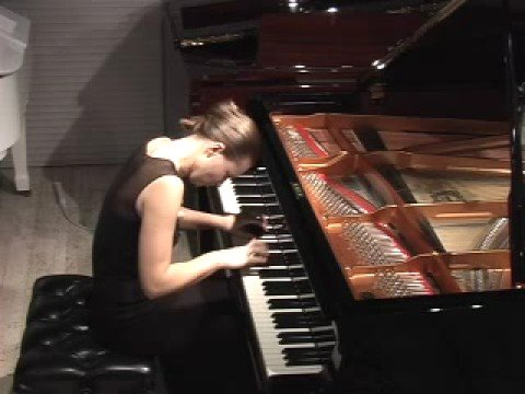 Anna Shelest plays Mozart Sonata in B-flat K 281 3/3