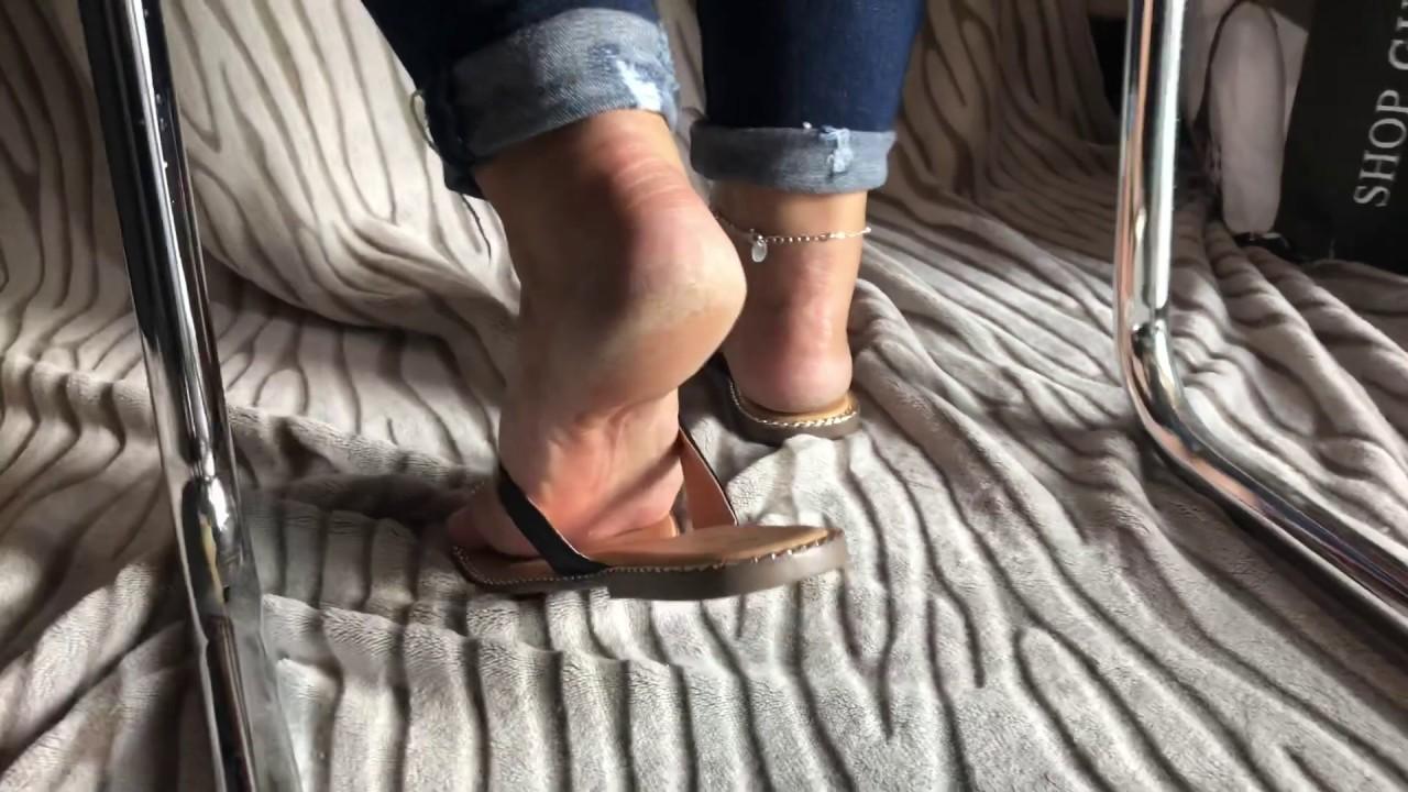 mature feet rough heels Dangling Flip flop