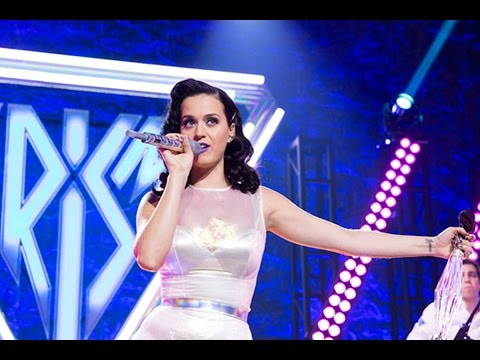 Katy Perry - Roar (Live at Prism Release Party)