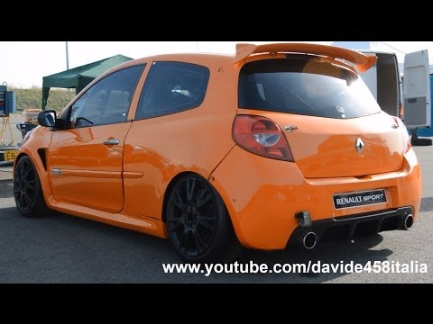 Renault Clio Cup: start up, revs and track scenes