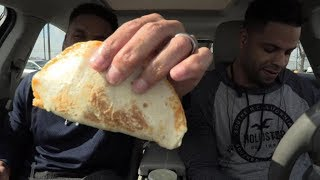 Eating  Taco Bell Shredded Chicken Mini Quesadilla @hodgetwins