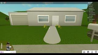 Suburban Home In Bloxburg With Garage tutorial (Roblox)