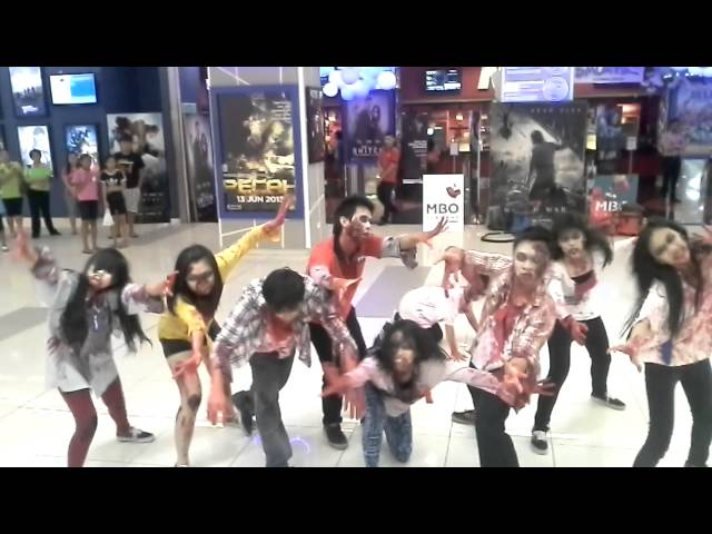 ZOMBIES INVASION @ MBO KL FESTIVAL CITY Travel Video