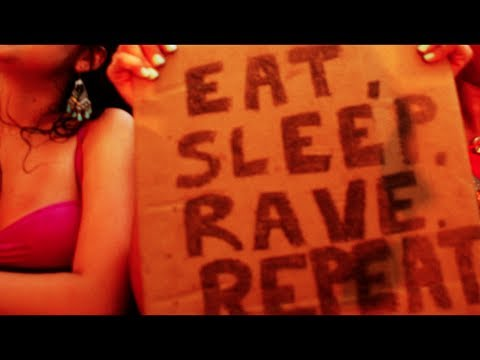 Fatboy Slim VS Dimitri Vegas, Like Mike & Ummet Ozcan - Eat Sleep Rave Repeat ( Tomorrowland Mix )